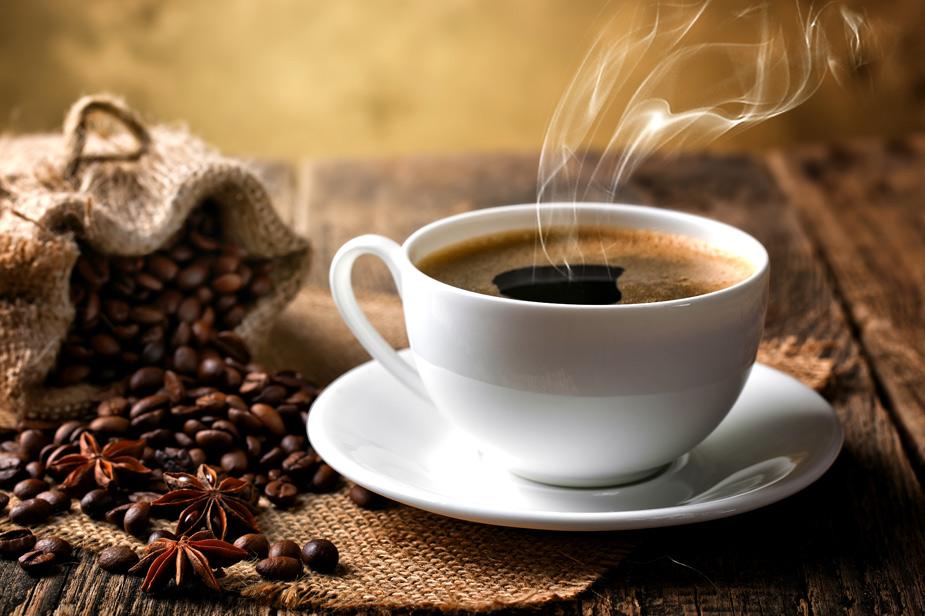 Skodelica črne turške kave