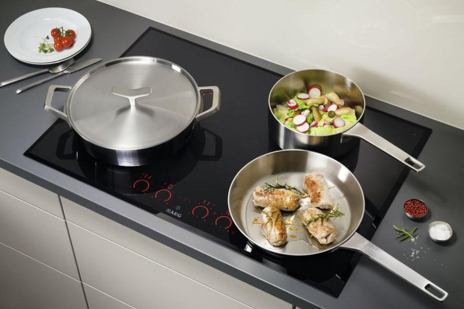 Indukcijska kuhalna plošča AEG
