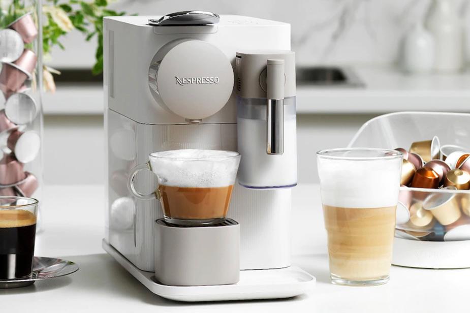 Kavni aparat Nespresso Lattissima One bele barve
