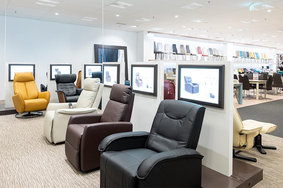 Prodajni kotiček masažnih stolov v trgovini Harvey Norman